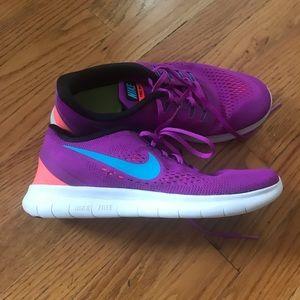 Women's size 9 Nike shoes